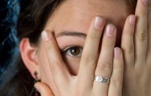 83d33_descubre-los-sintomas-de-la-fobia-social
